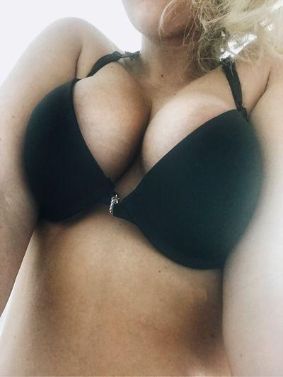 Blonde Escort in Lakeland Florida
